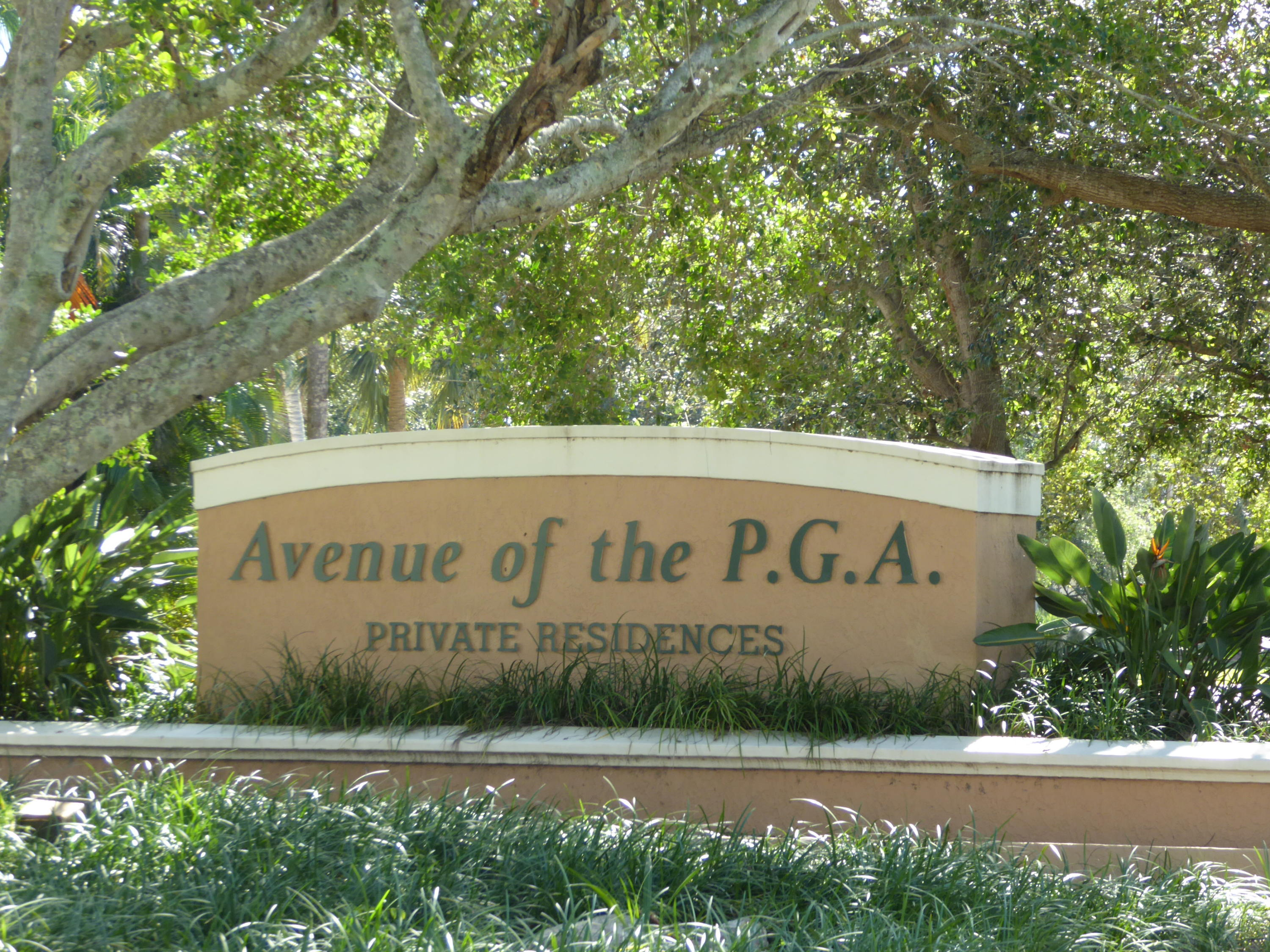 Click for 11811 Avenue Of The Pga  #7-1d slideshow