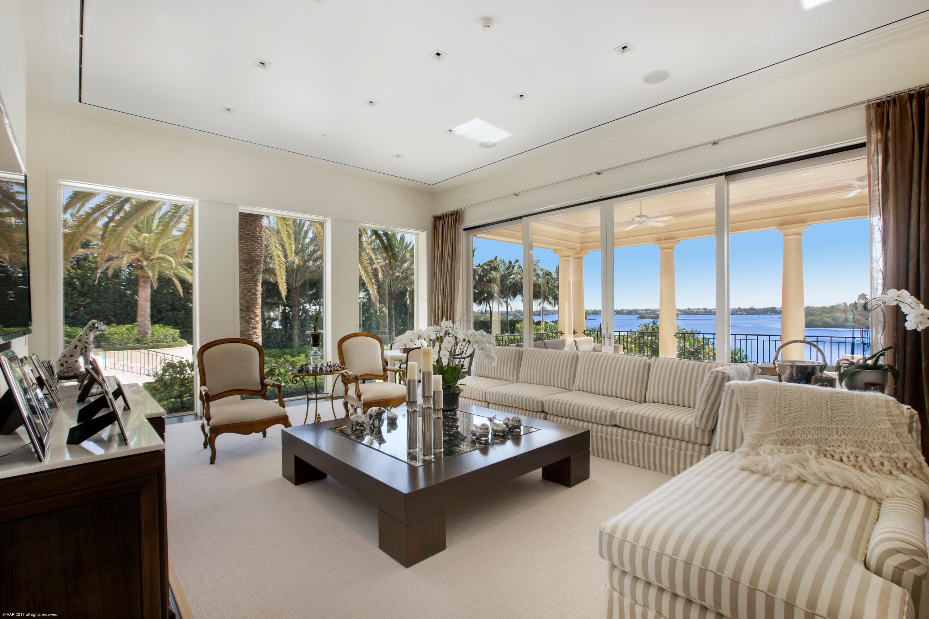 Click for 1744 S Ocean Boulevard  slideshow
