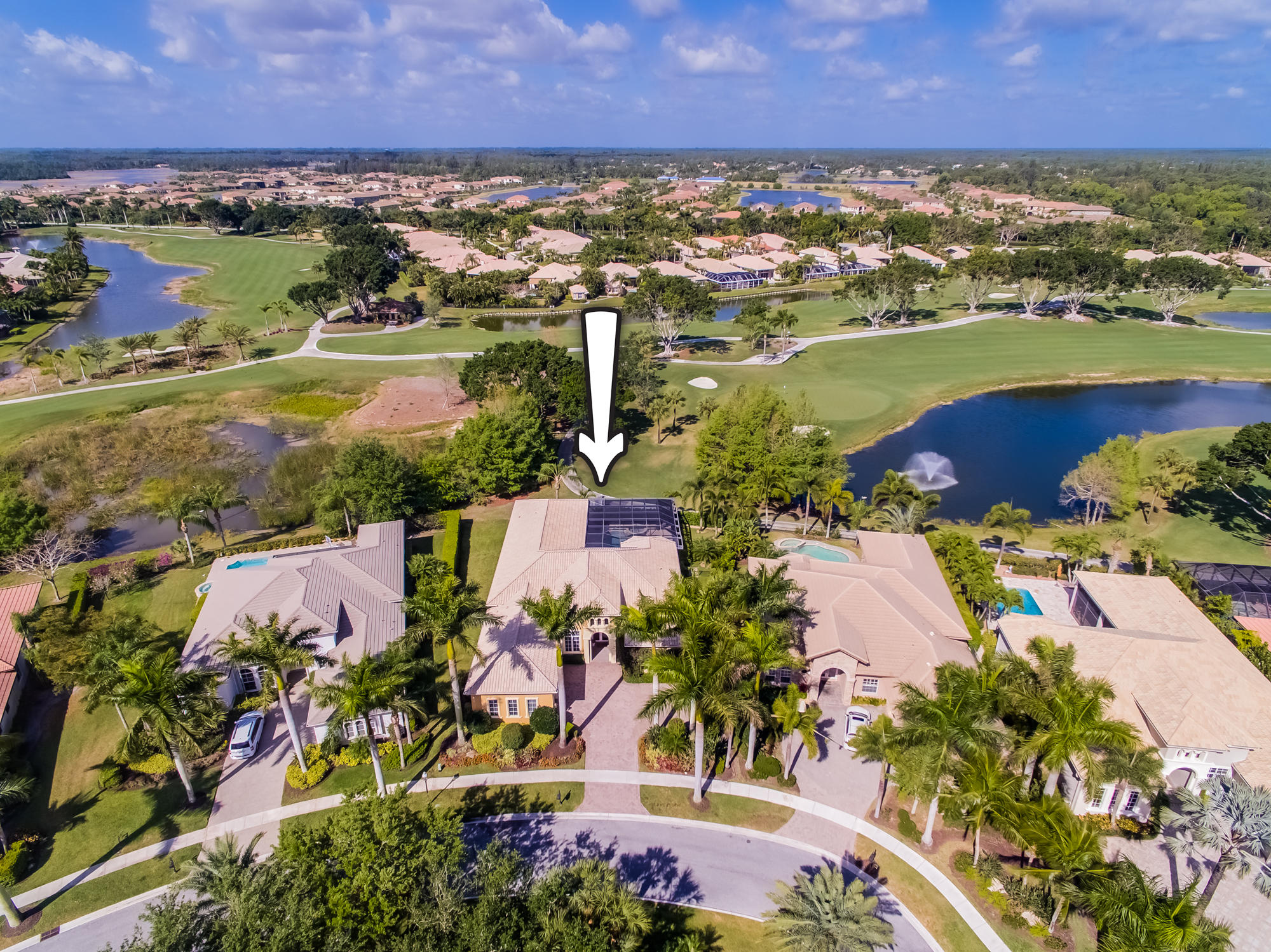 Click for 7977 Cranes Pointe Way  slideshow