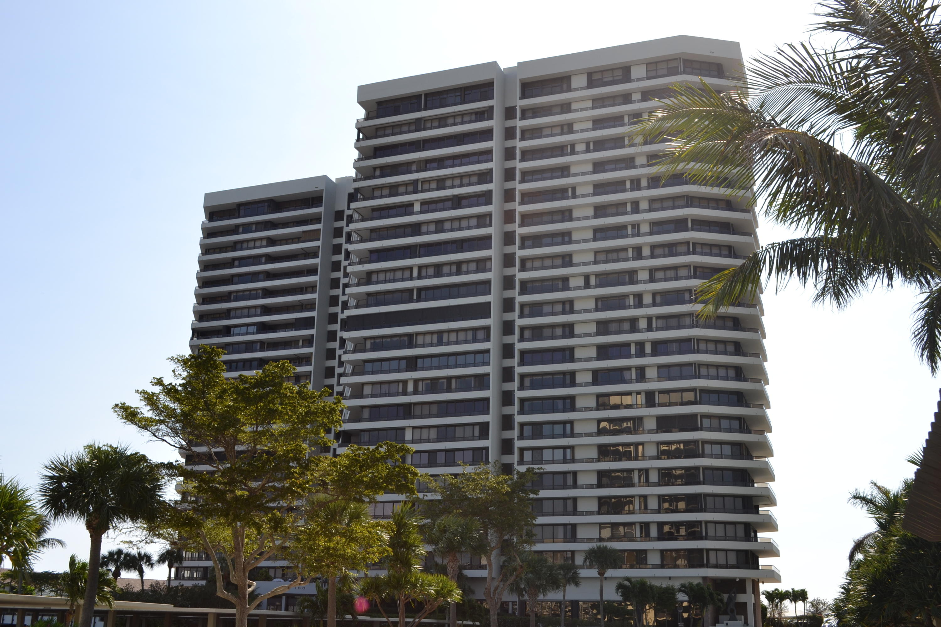 Photo of 100 Lakeshore Drive #1555