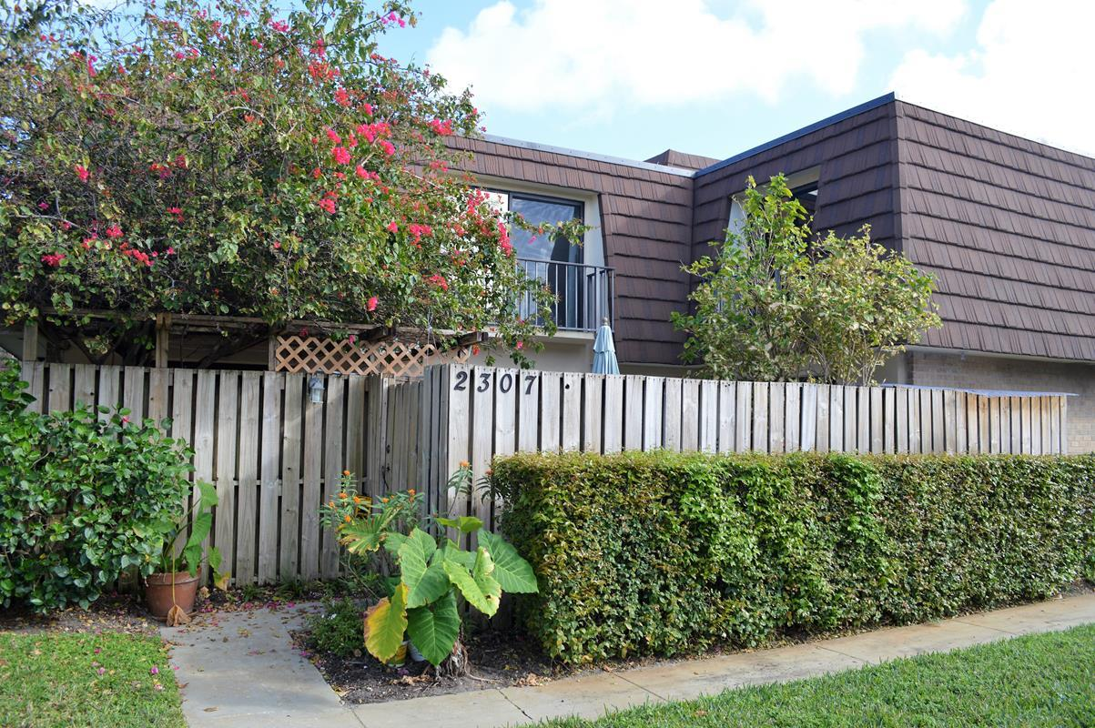 Garden Lakes Palm Beach Gardens Townhomes & Real Estate For Sale ...