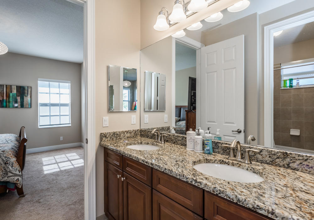Click for 404 Rudder Cay Way  slideshow