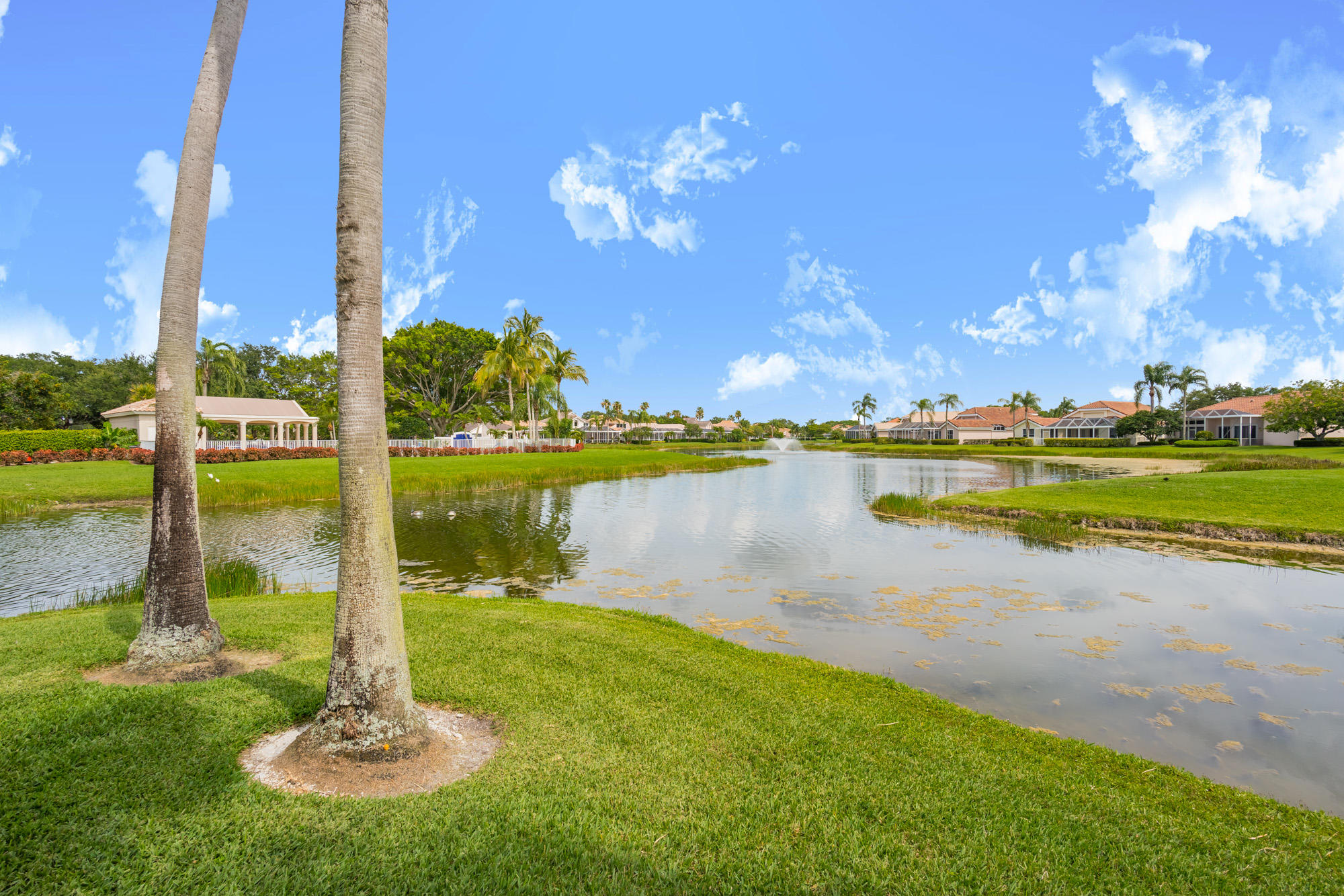 Click for 1142 Grand Cay Drive  slideshow