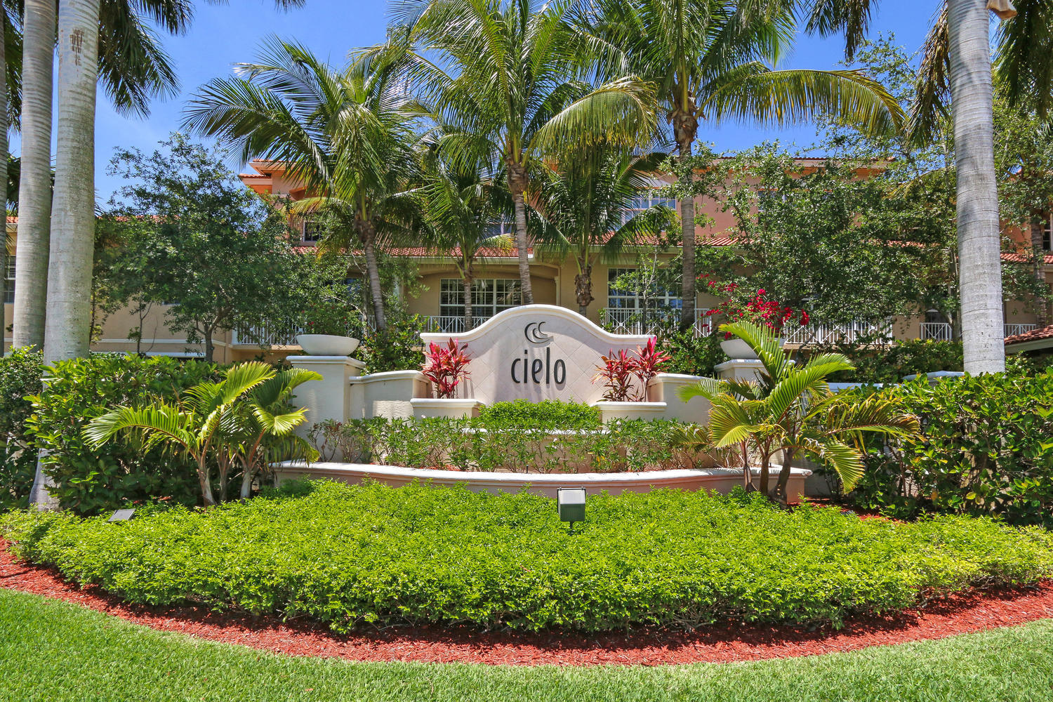 Cielo Palm Beach Gardens Townhomes & Real Estate For Sale | Jeff ...