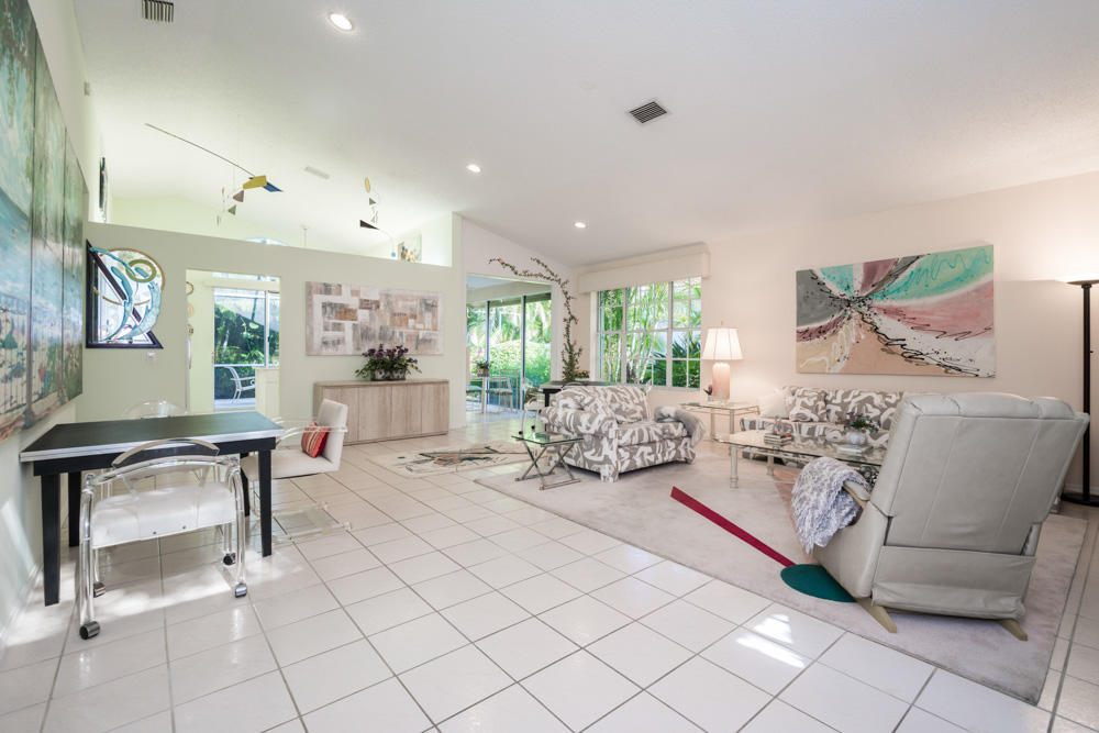 Click for 13861 Palm Grove Place  slideshow