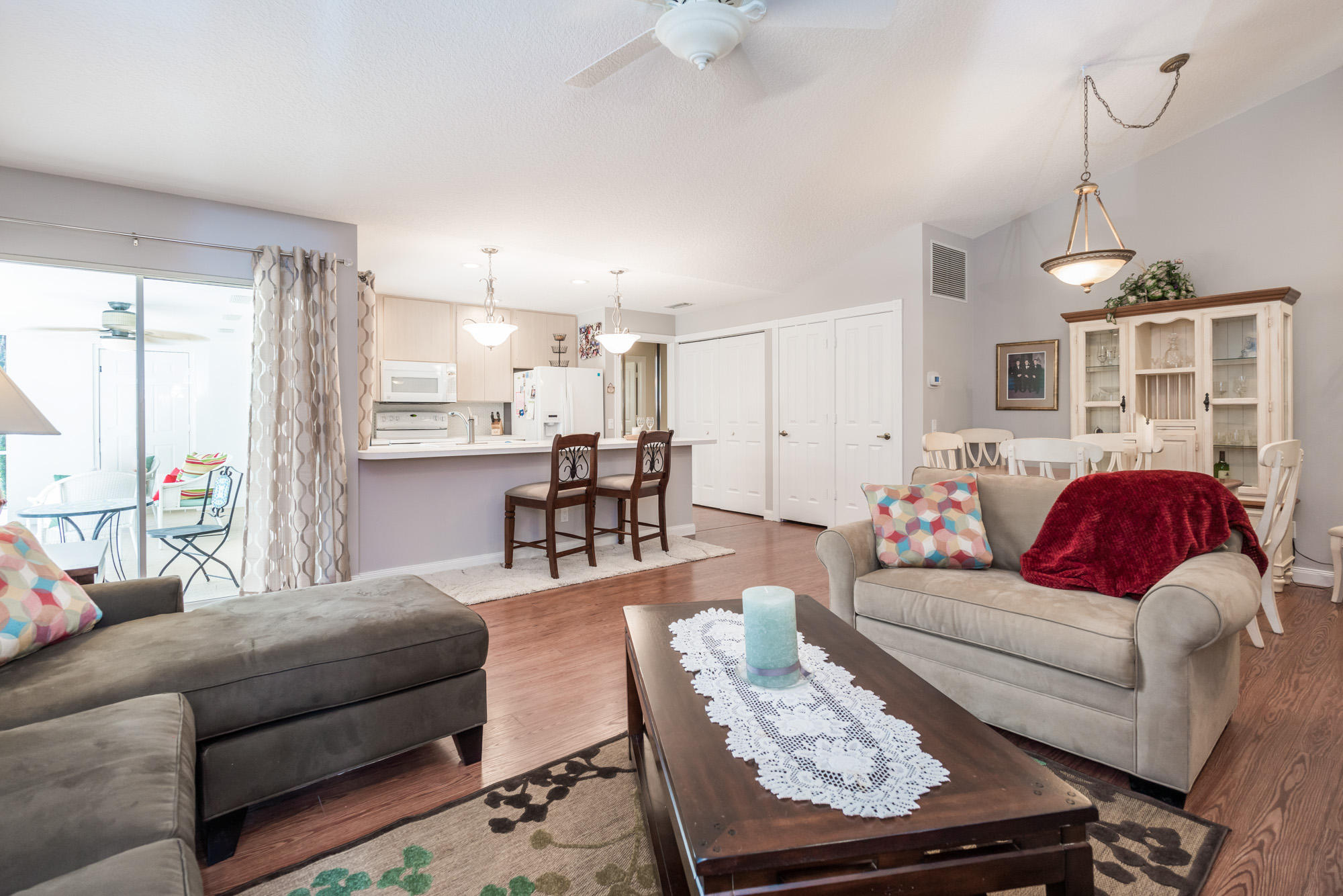 Click for 804 Silverleaf Oak Court  slideshow