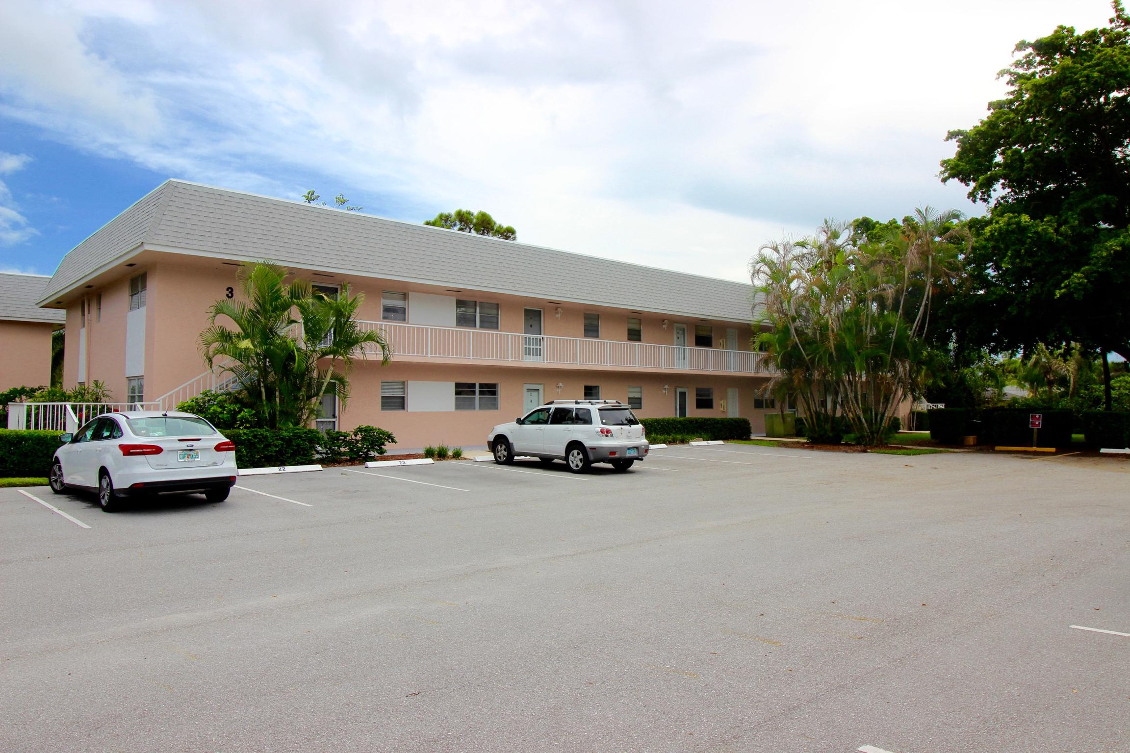 Photo of 18081 Se Country Club Drive #25