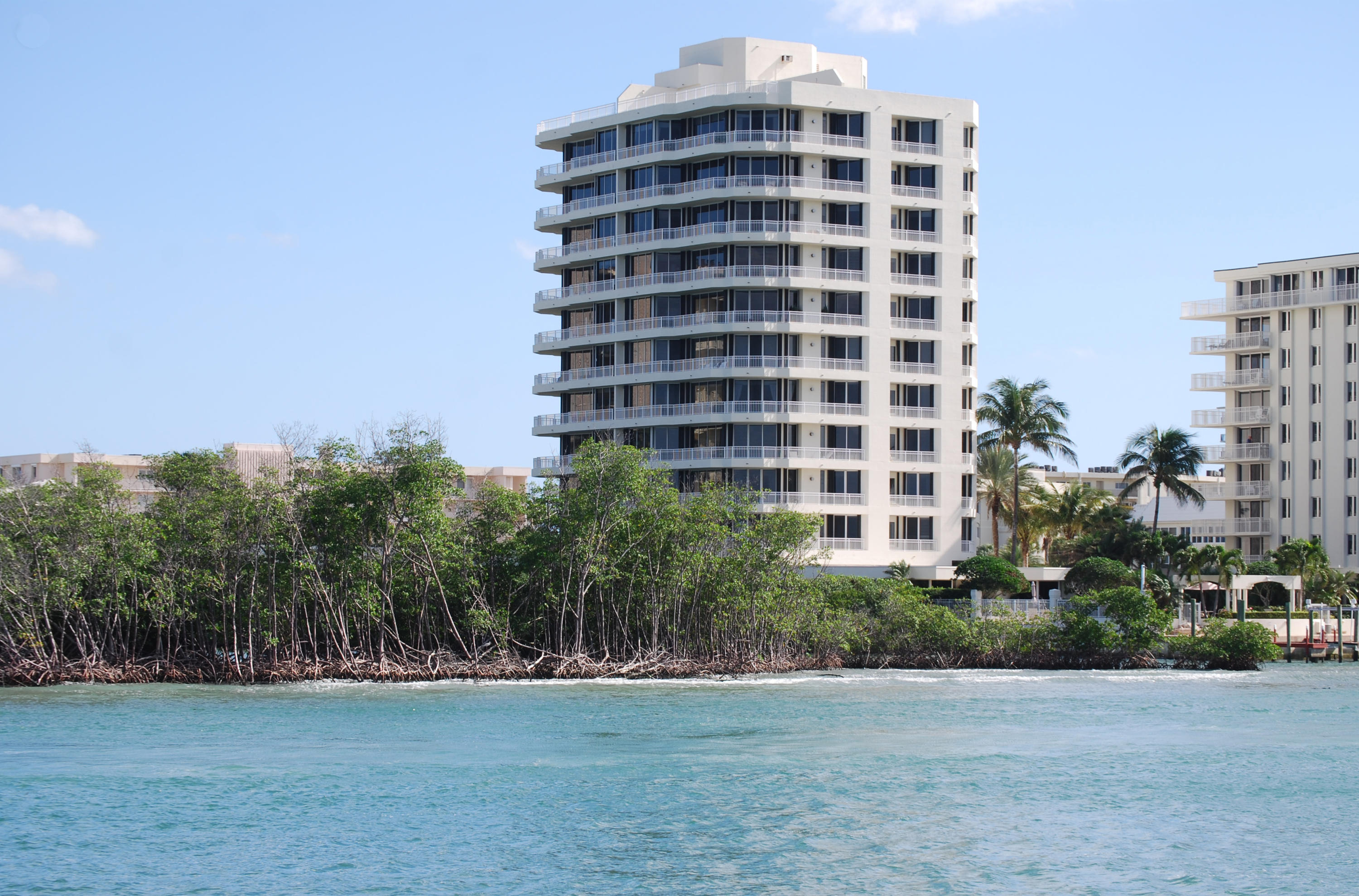 Photo of 425 Beach Road #3-o