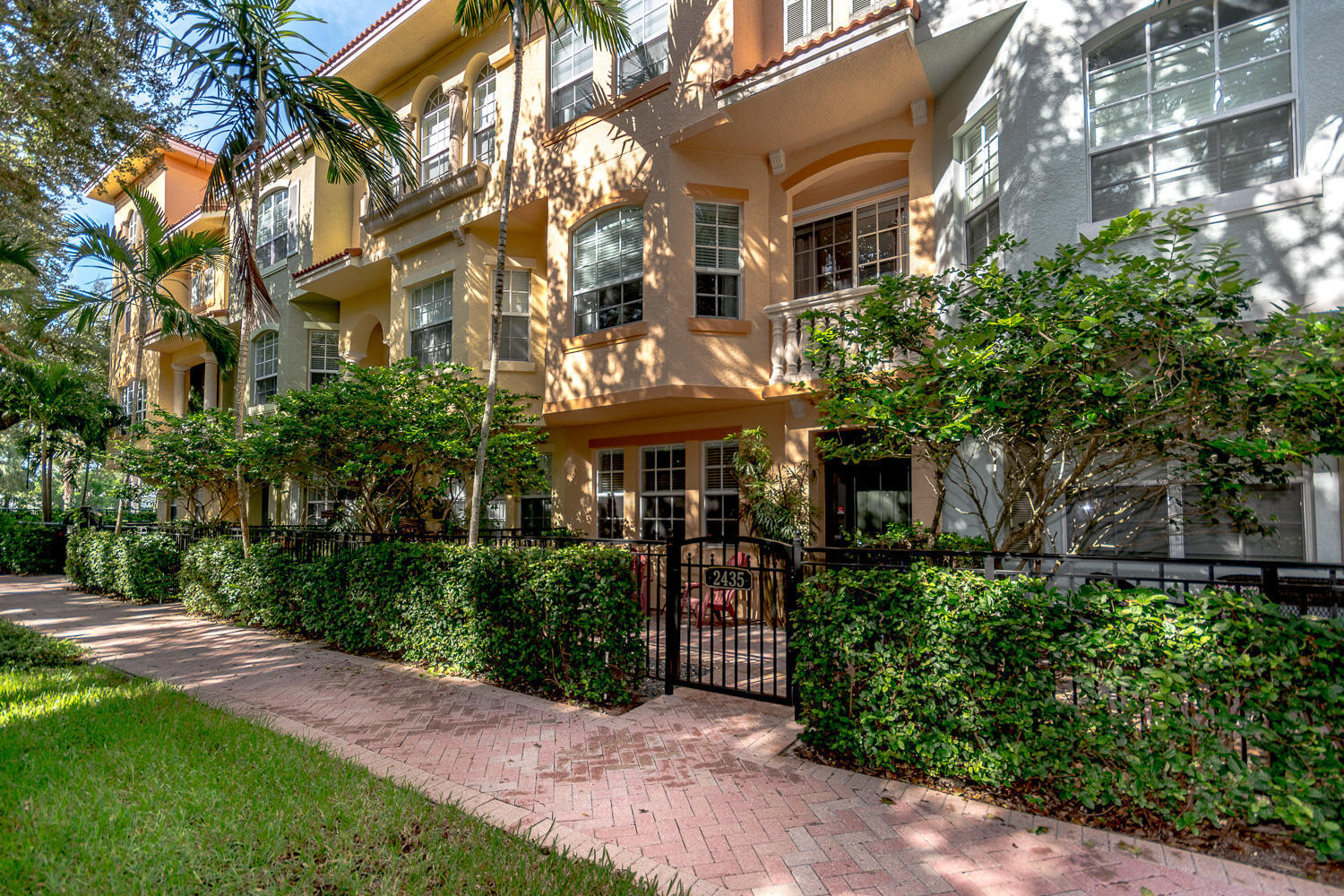 Harbour Oaks Palm Beach Gardens Townhomes & Real Estate For Sale ...