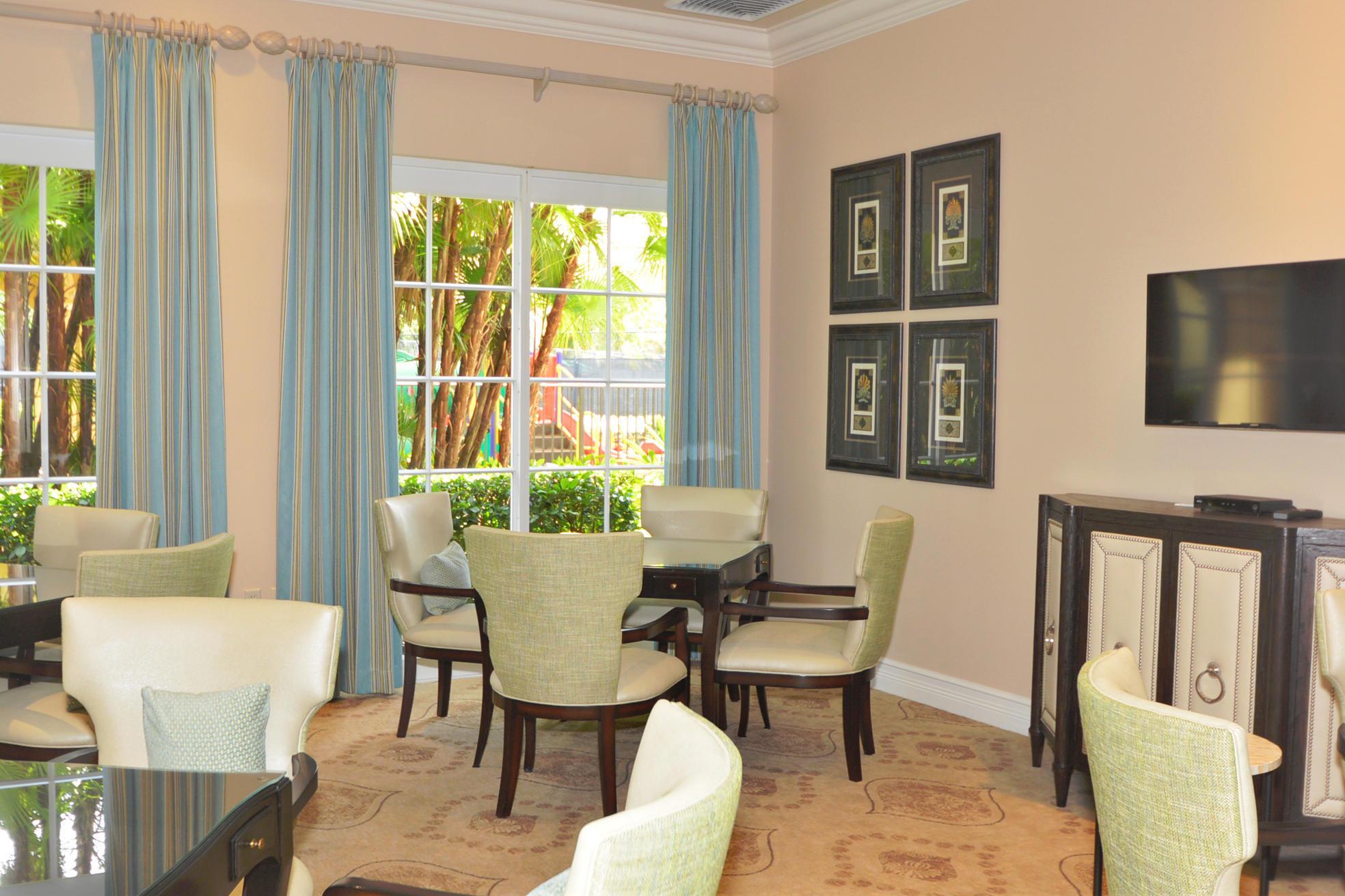 Click for 108 Villa Nueva Place  slideshow