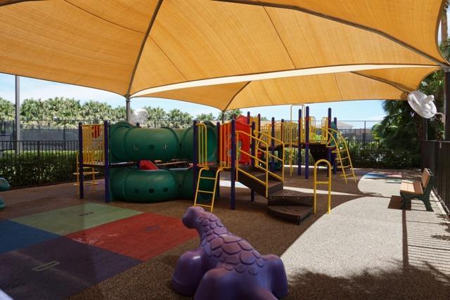 Click for 198 Sedona Way  slideshow
