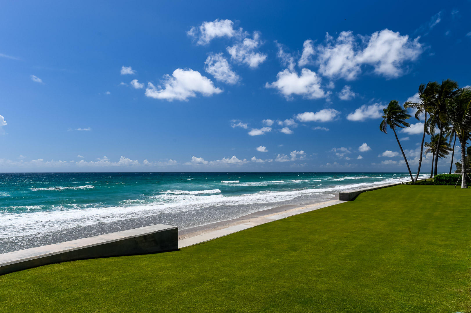 Click for 1071 N Ocean Boulevard  slideshow