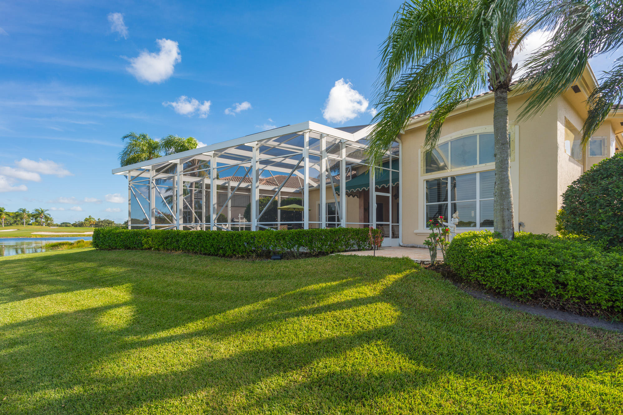 Click for 1114 Grand Cay Drive  slideshow