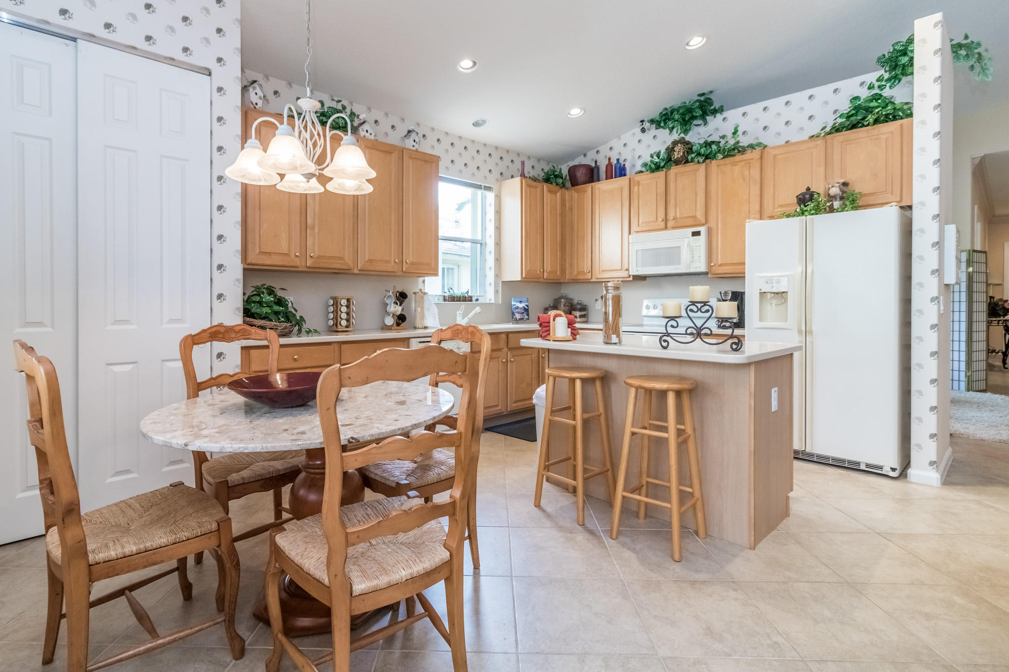 Click for 9173 Bay Point Circle  slideshow