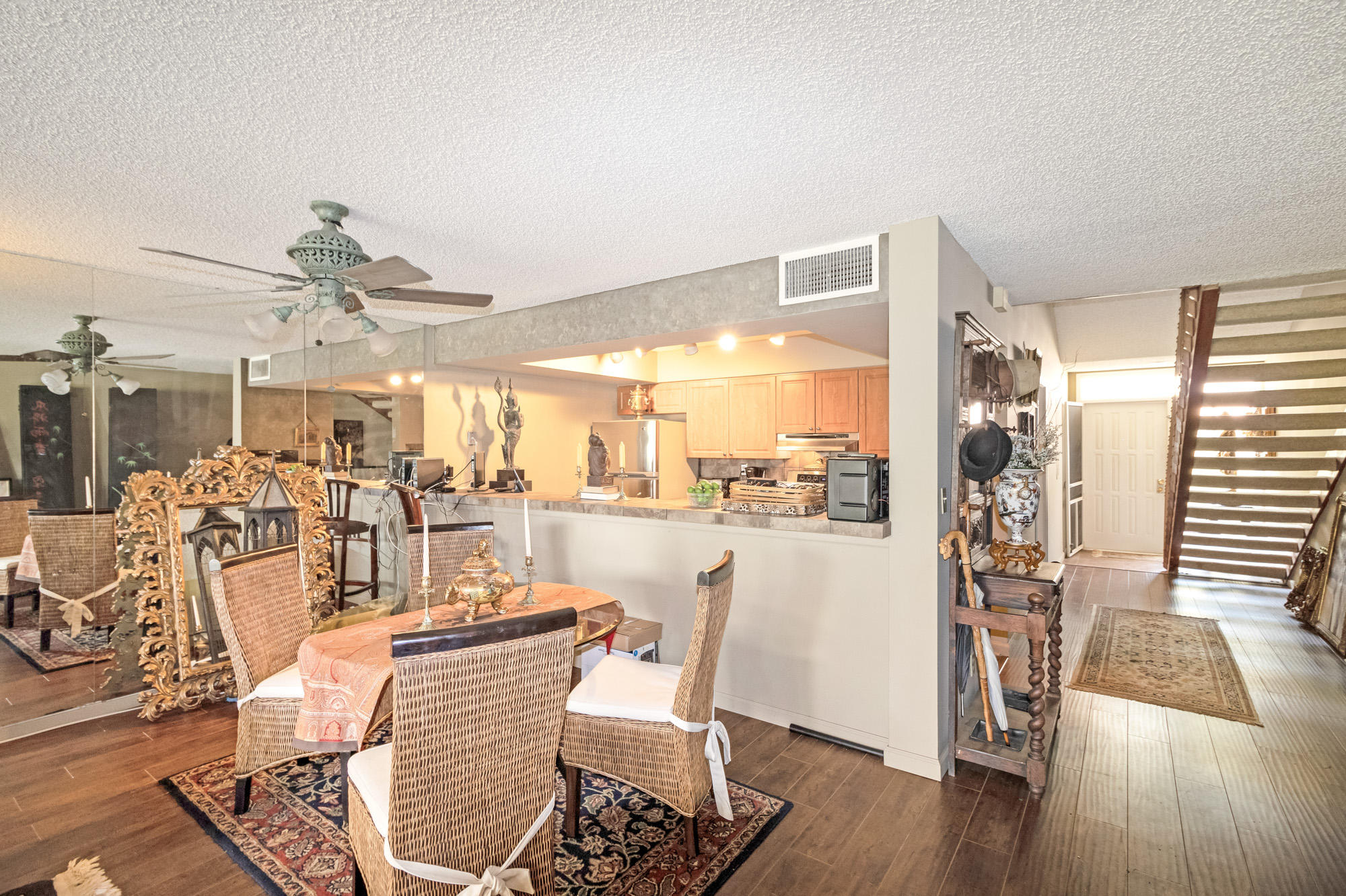 Click for 257 Old Meadow Way  slideshow