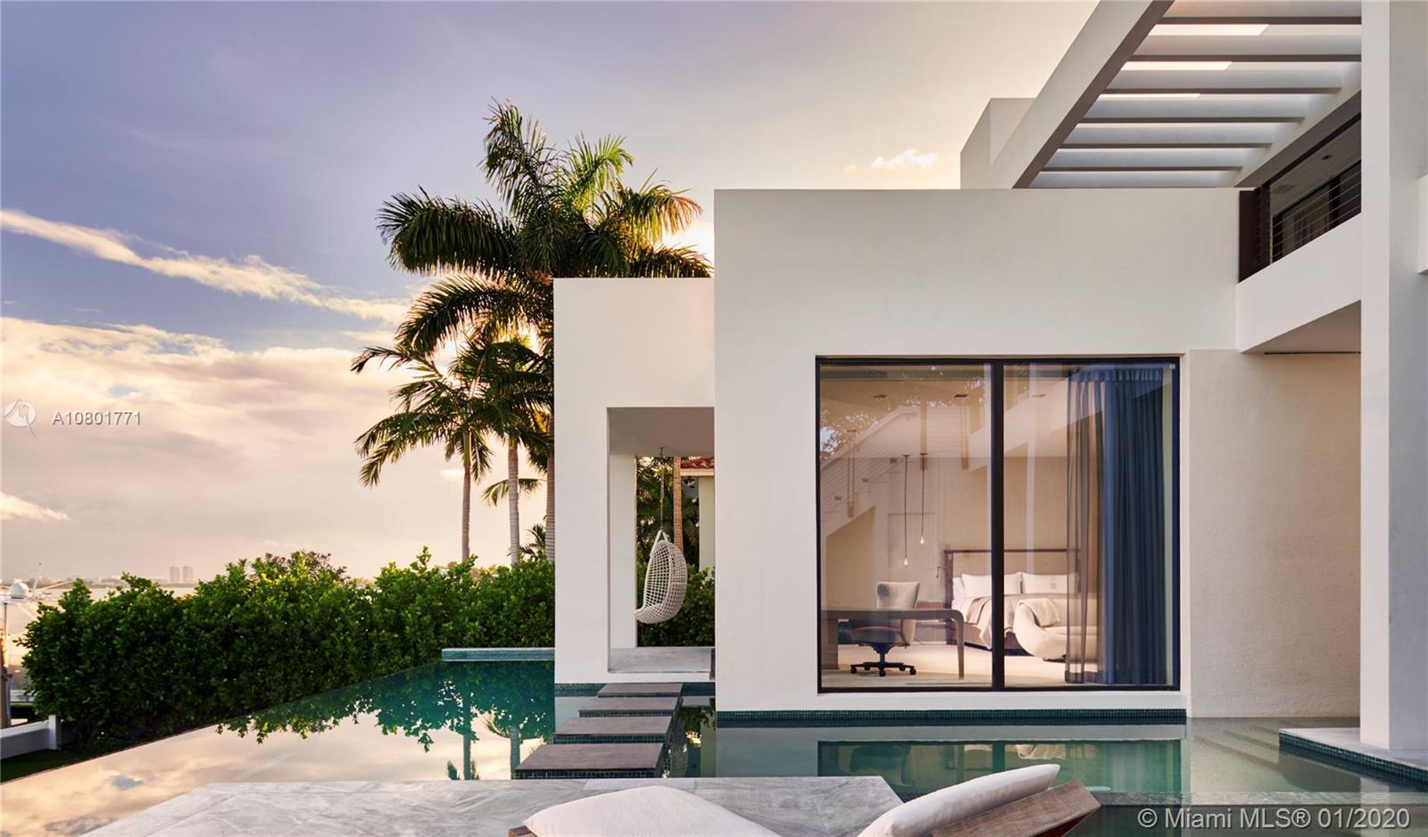 1325 N Venetian Way Luxury Real Estate