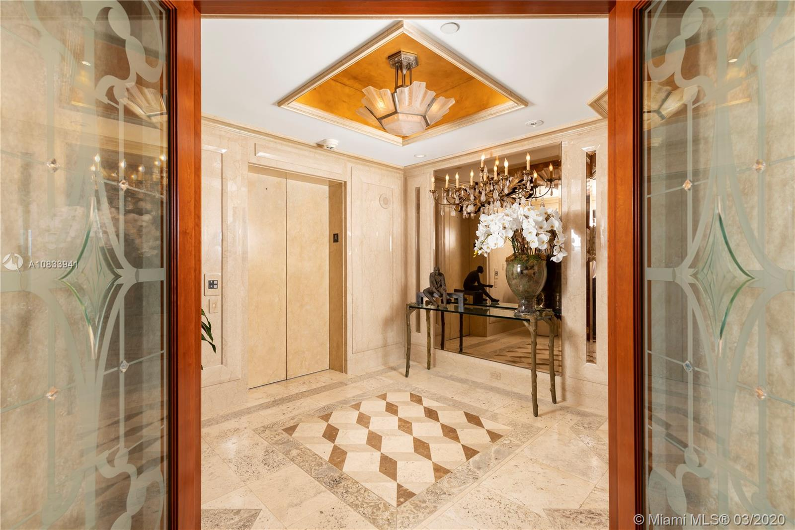 10 Edgewater Dr, Unit #4A Luxury Real Estate