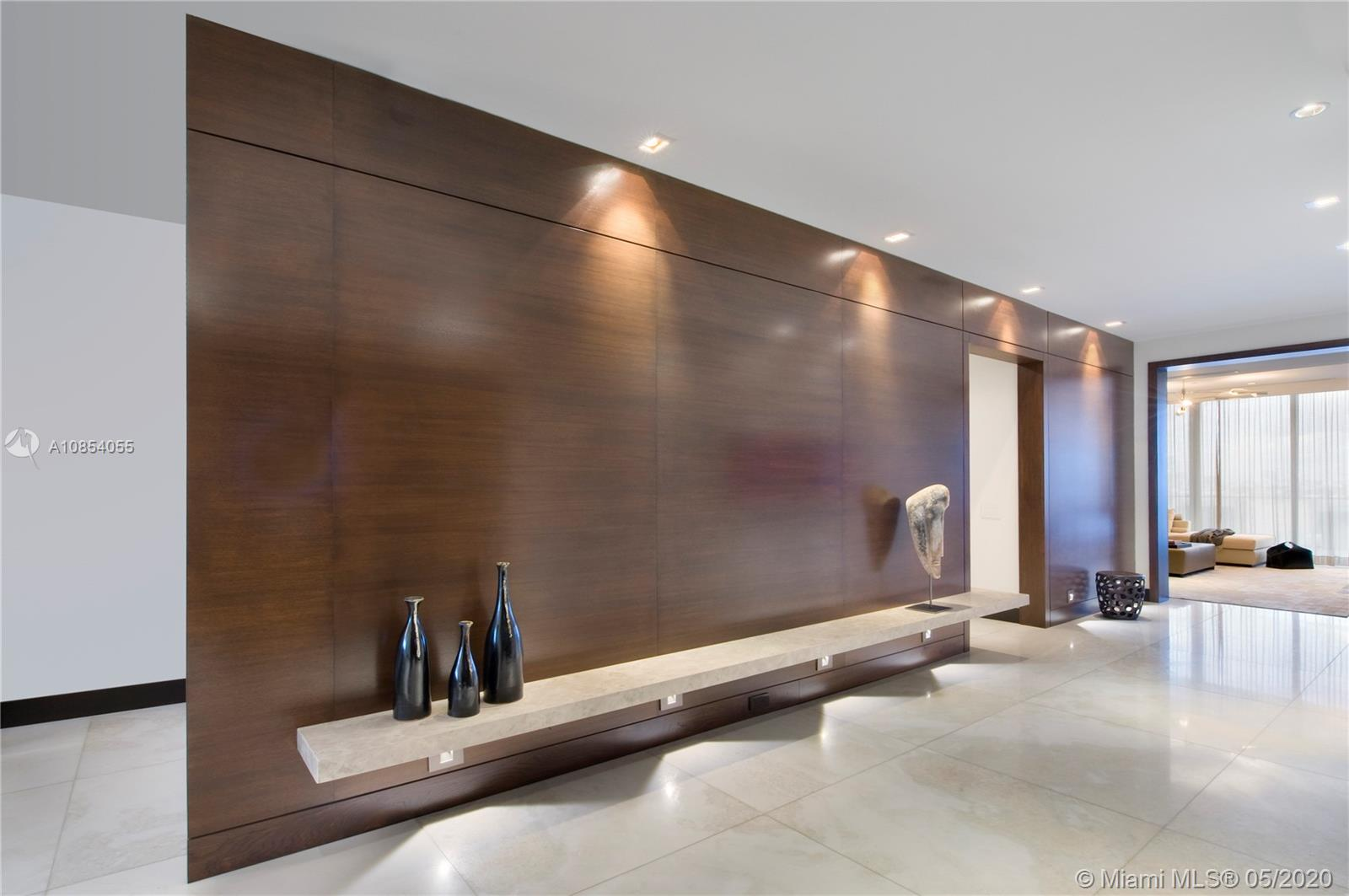 800 S Pointe Dr, Unit #702 Luxury Real Estate
