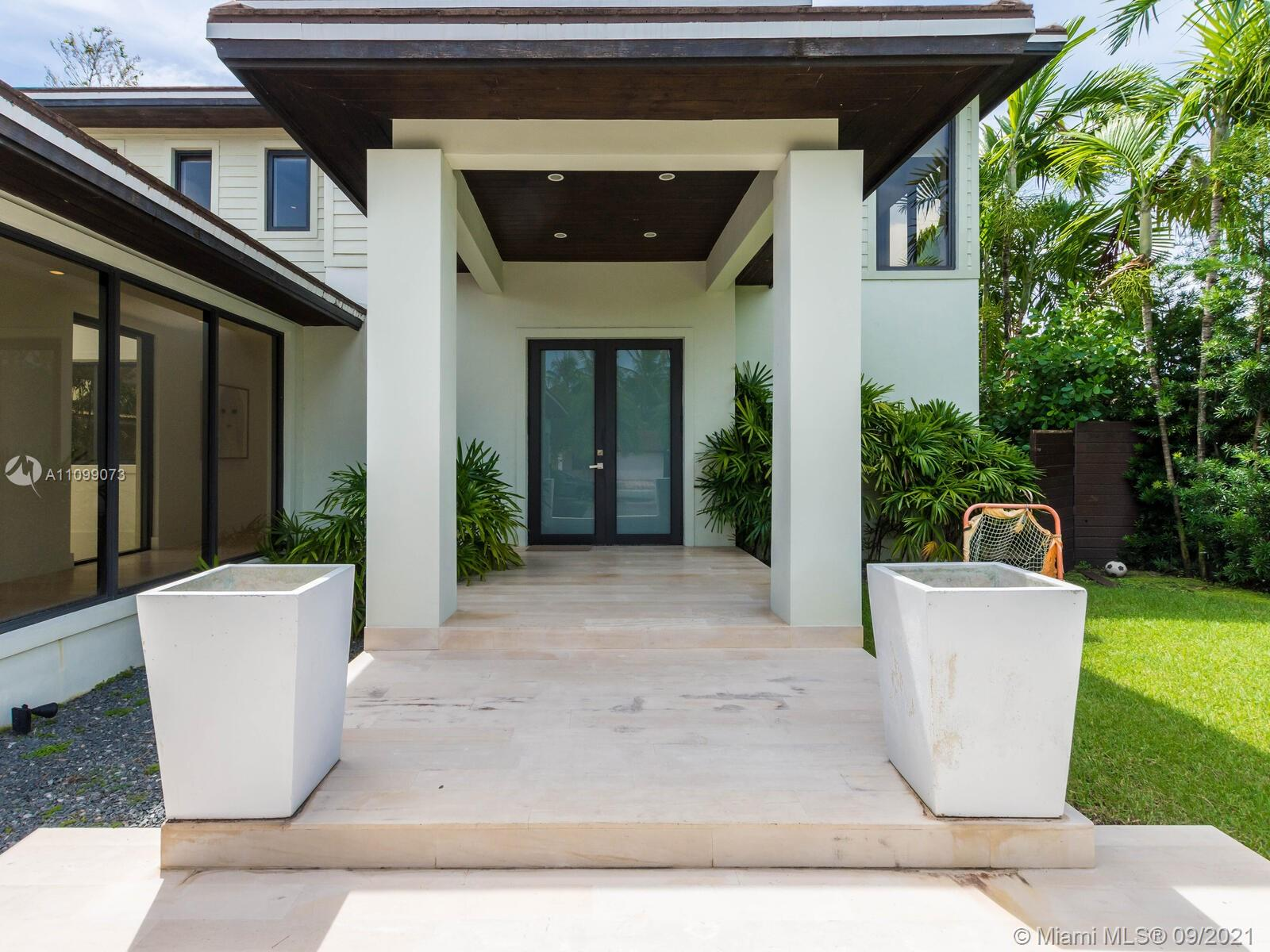 710 S Shore Dr Luxury Real Estate