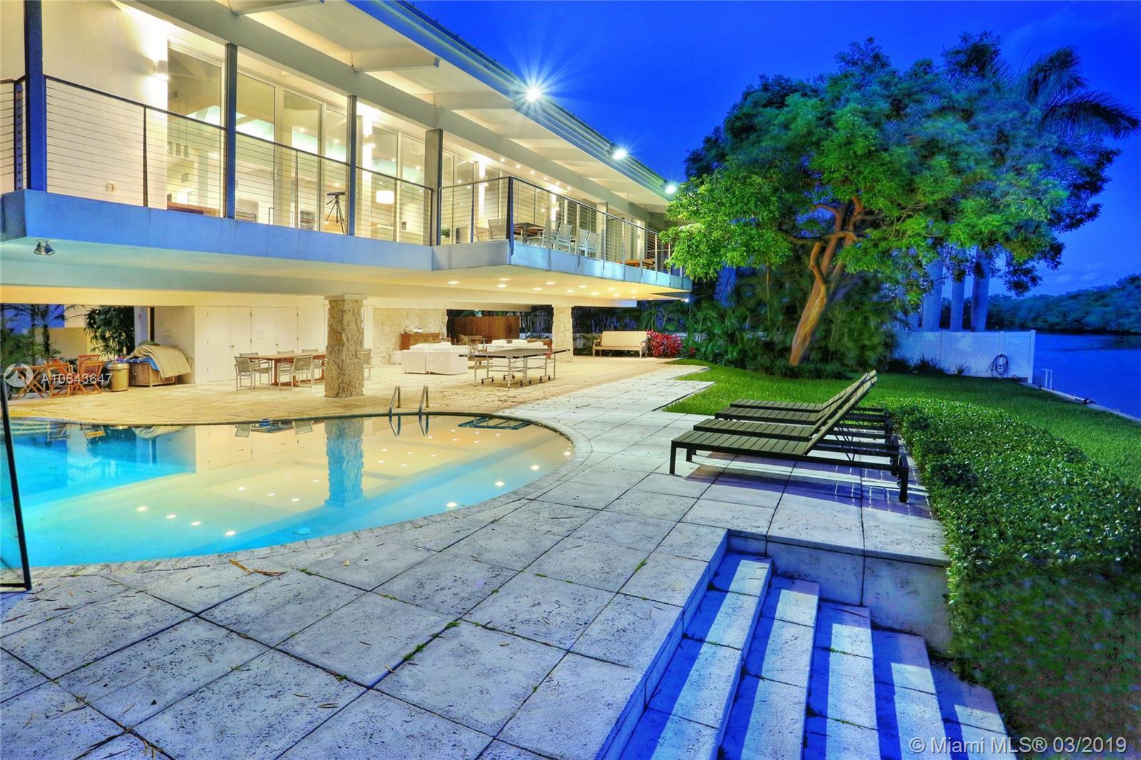 110 Cape Florida Dr Luxury Real Estate