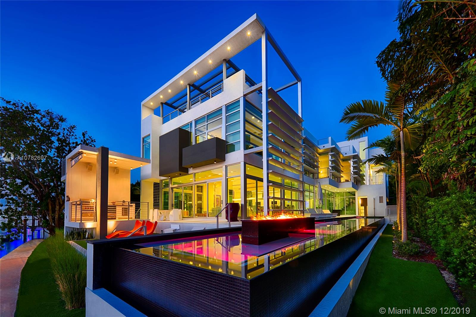 440 S Hibiscus Dr Luxury Real Estate