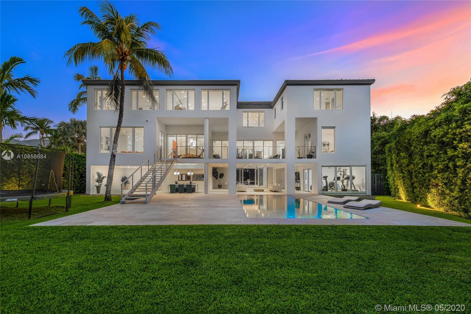 481 S Mashta Dr Luxury Real Estate