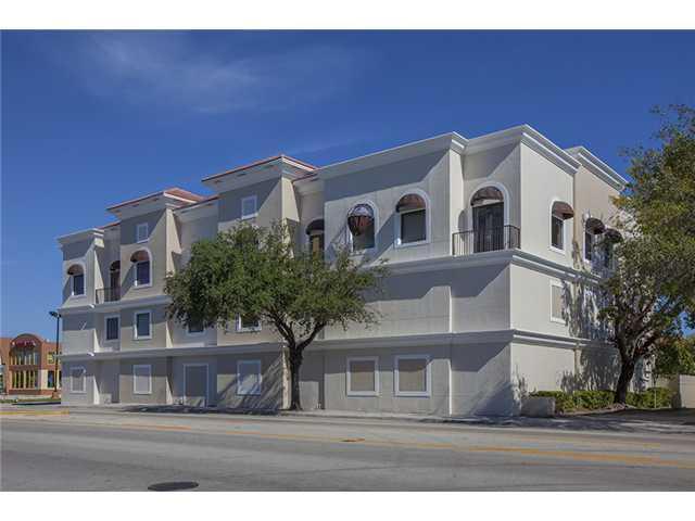 2227 N Federal Hy Luxury Real Estate