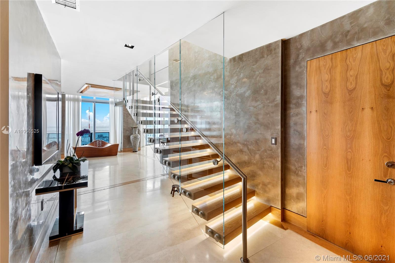 200 Biscayne Boulevard Way, Unit #5401 Luxury Real Estate