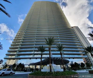 18975 Collins Ave, Unit #3000 Luxury Real Estate