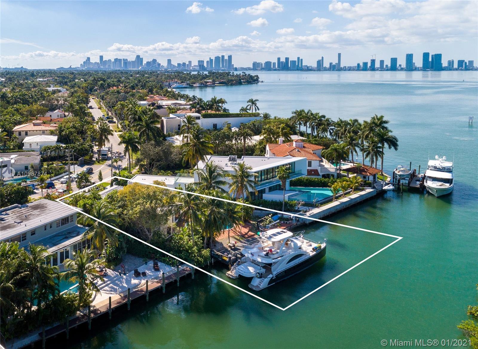 3172 N Bay Rd Luxury Real Estate