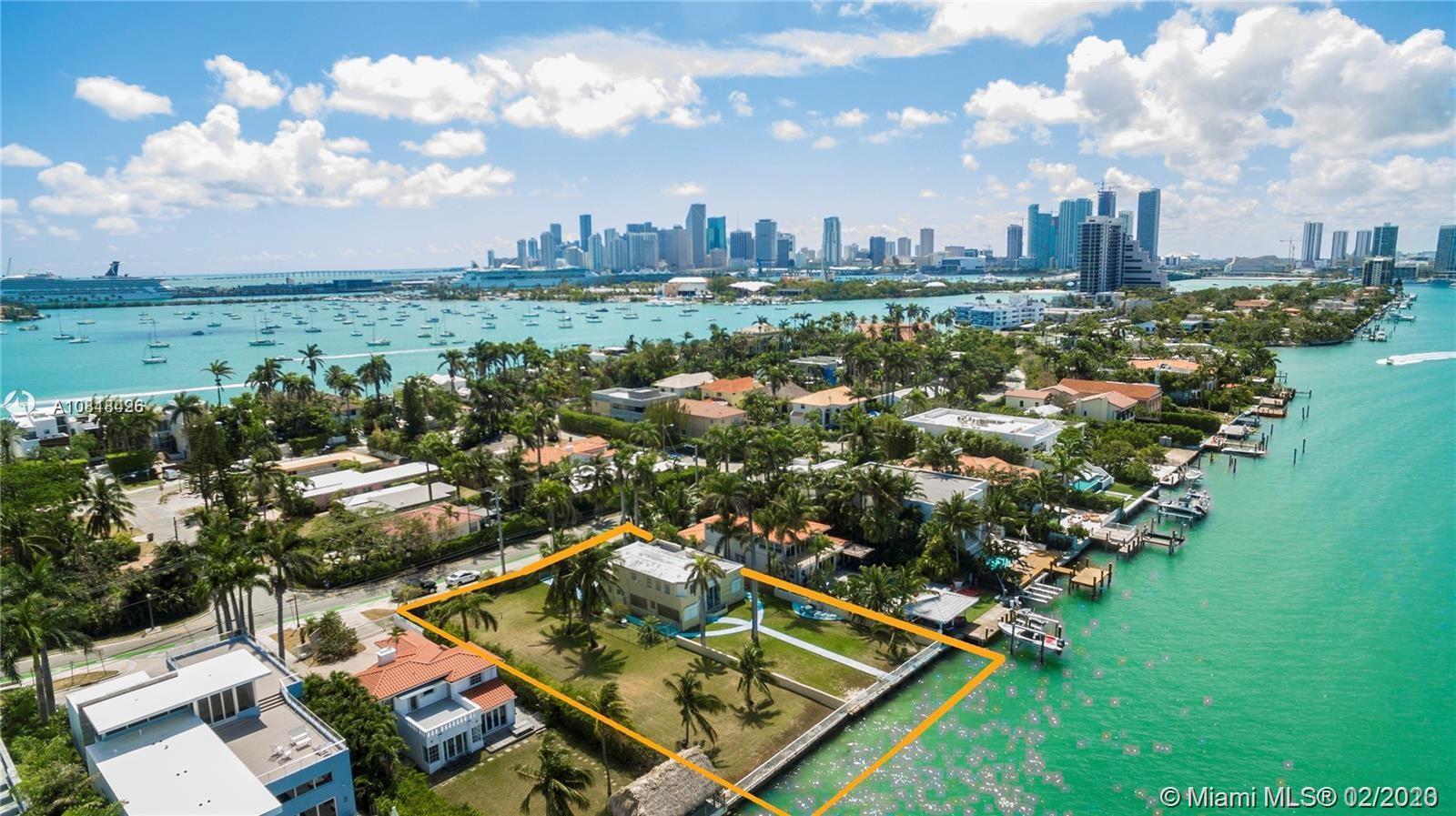 1353 N Venetian Way Luxury Real Estate