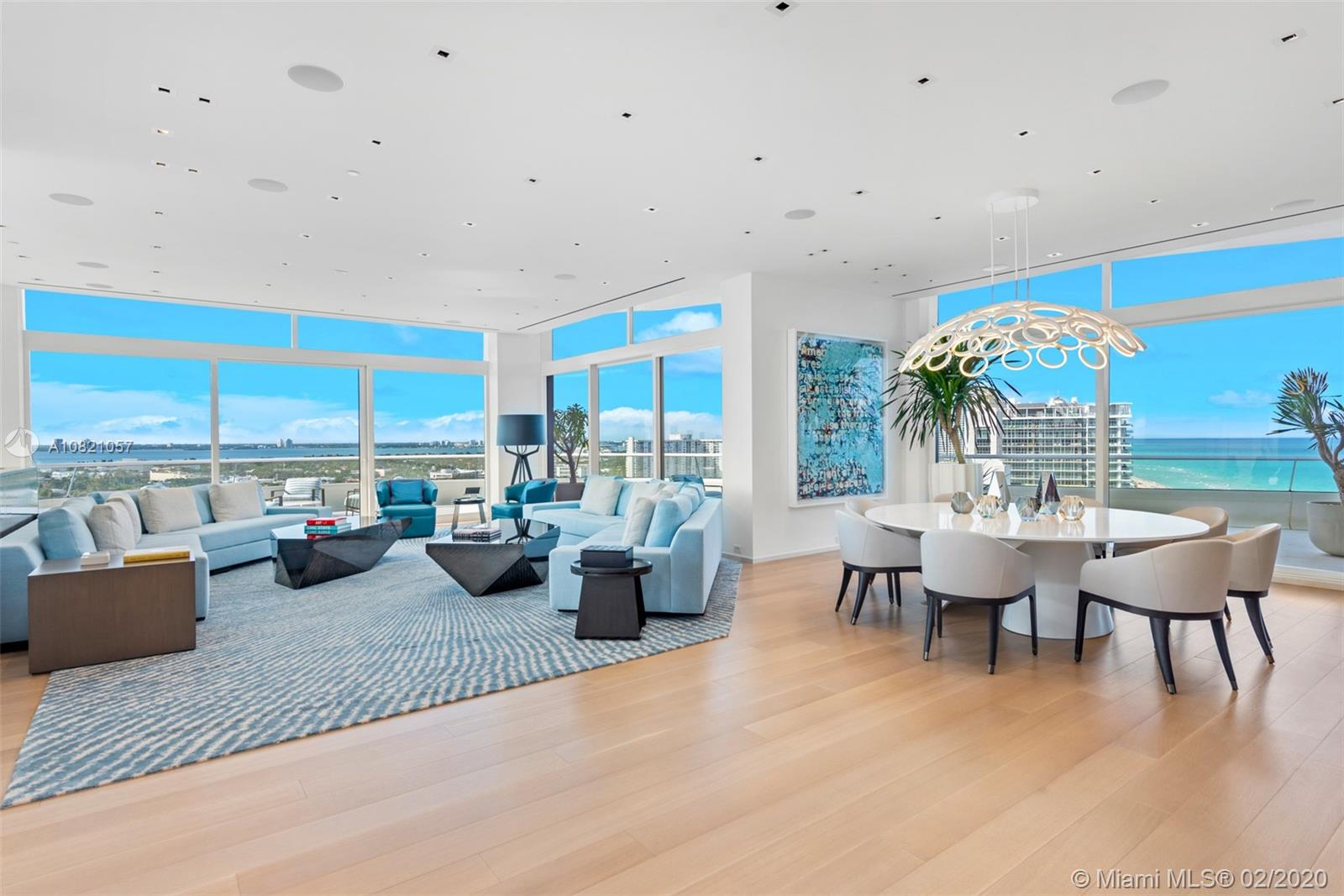 3315 Collins Ave, Unit #PH-B Luxury Real Estate