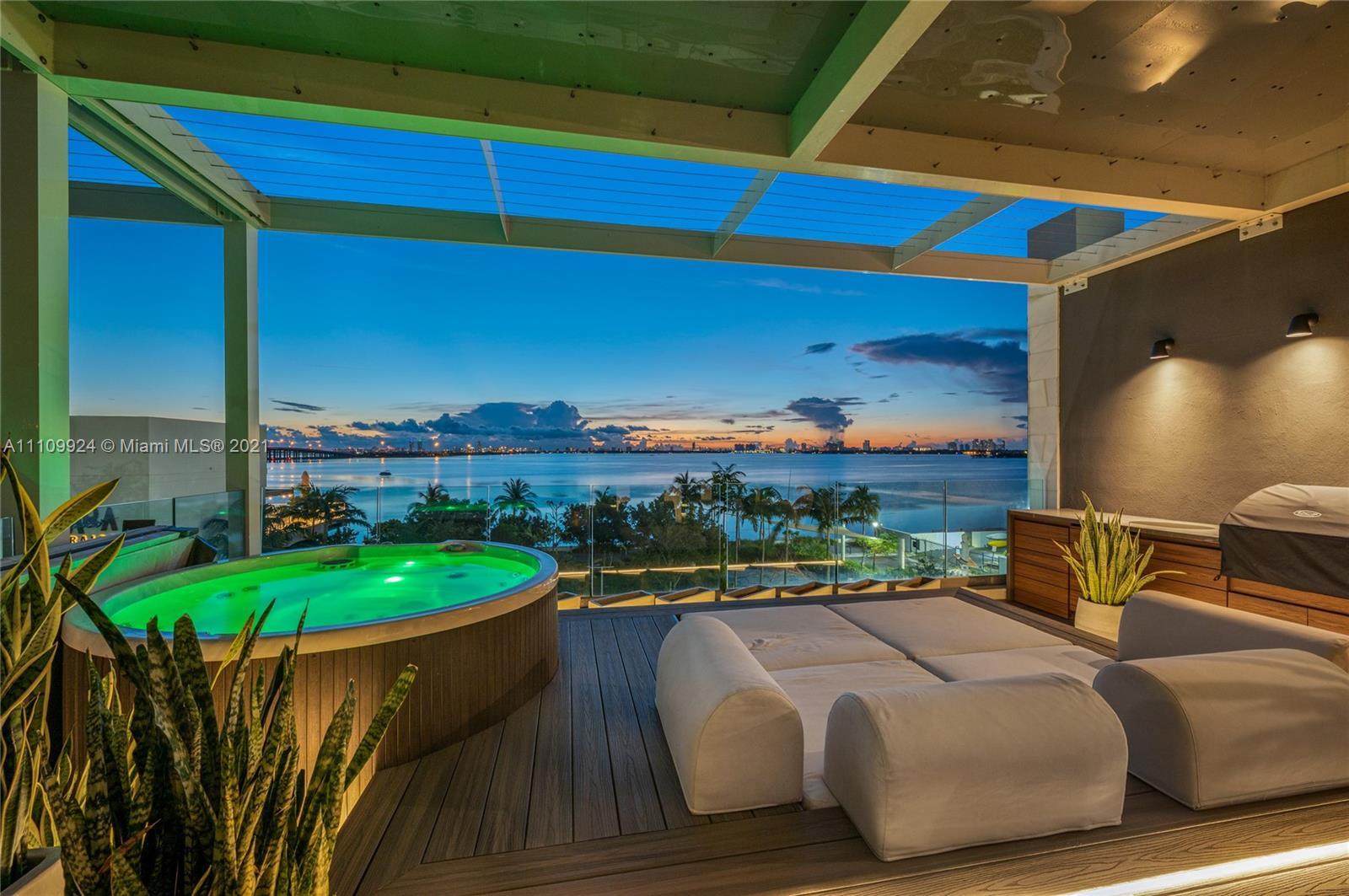 650 NE 32nd St, Unit #BH2 Luxury Real Estate