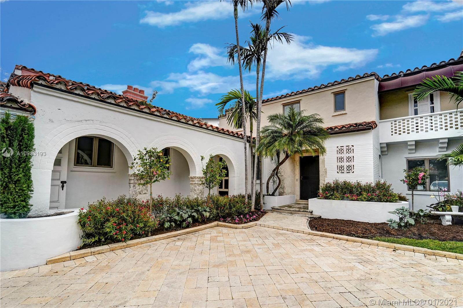 5661 Pine Tree Dr Luxury Real Estate