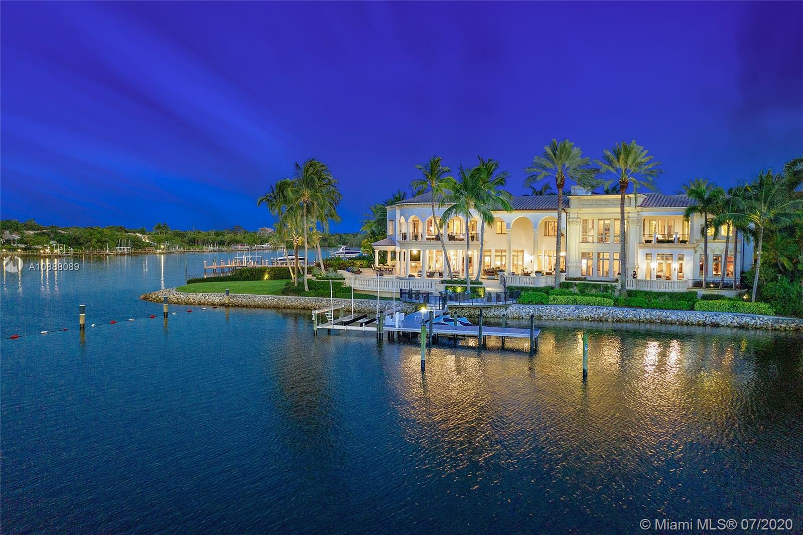 207 Commodore Dr Luxury Real Estate