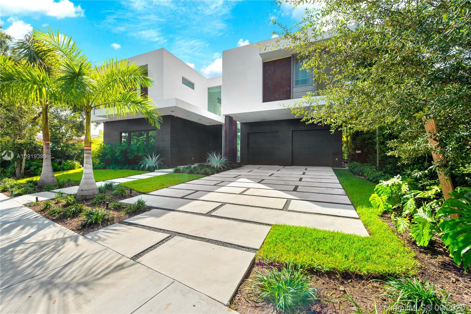 30 Bay Heights Dr Luxury Real Estate