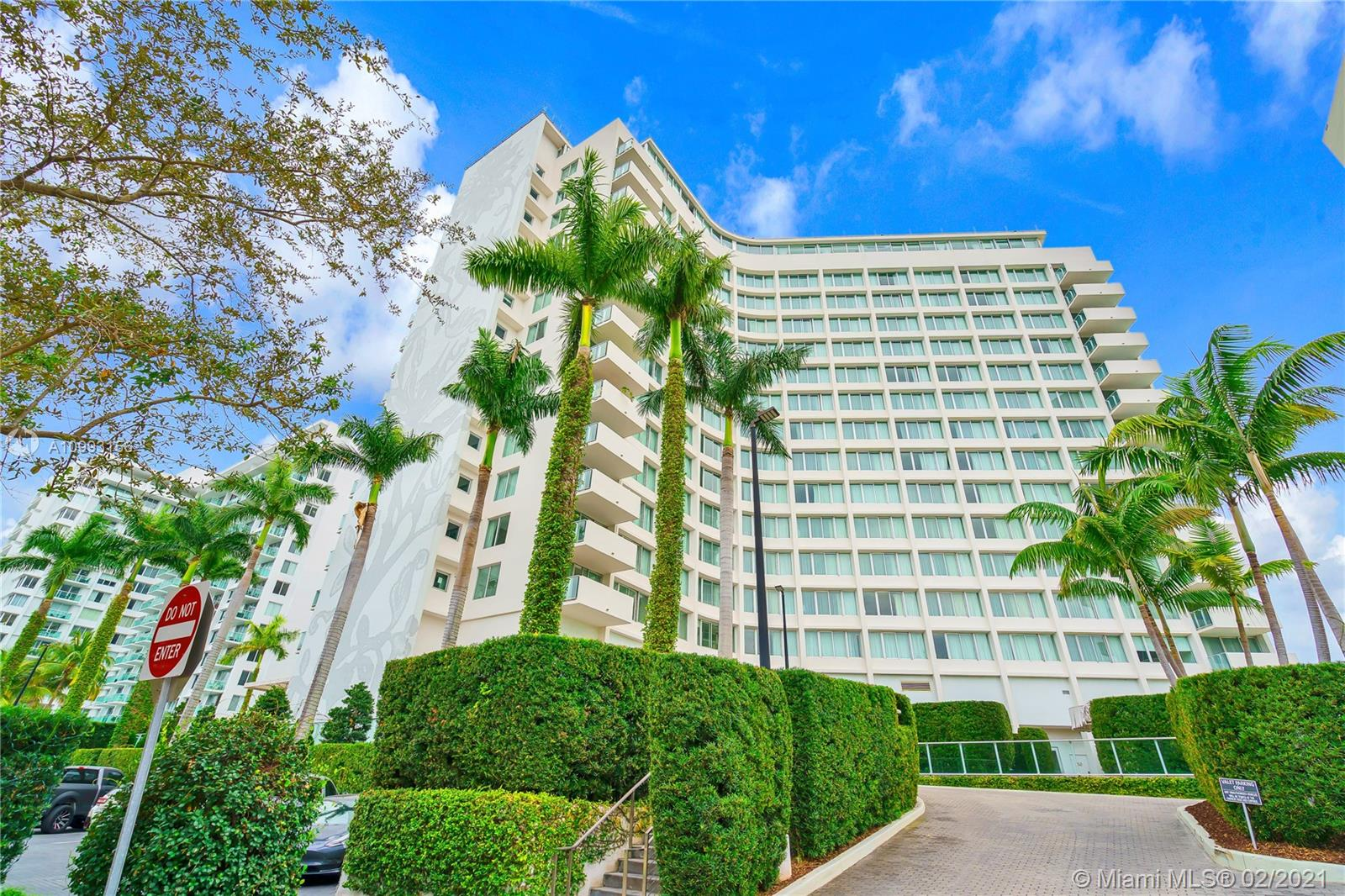 1100 West Ave, Unit #TS2/3 Luxury Real Estate