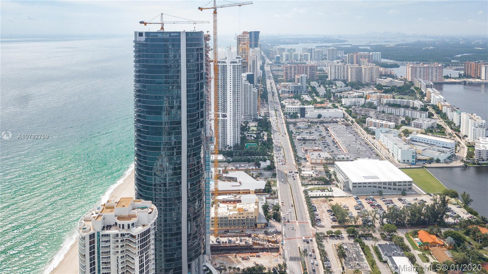 18555 Collins Ave, Unit #2203 Luxury Real Estate