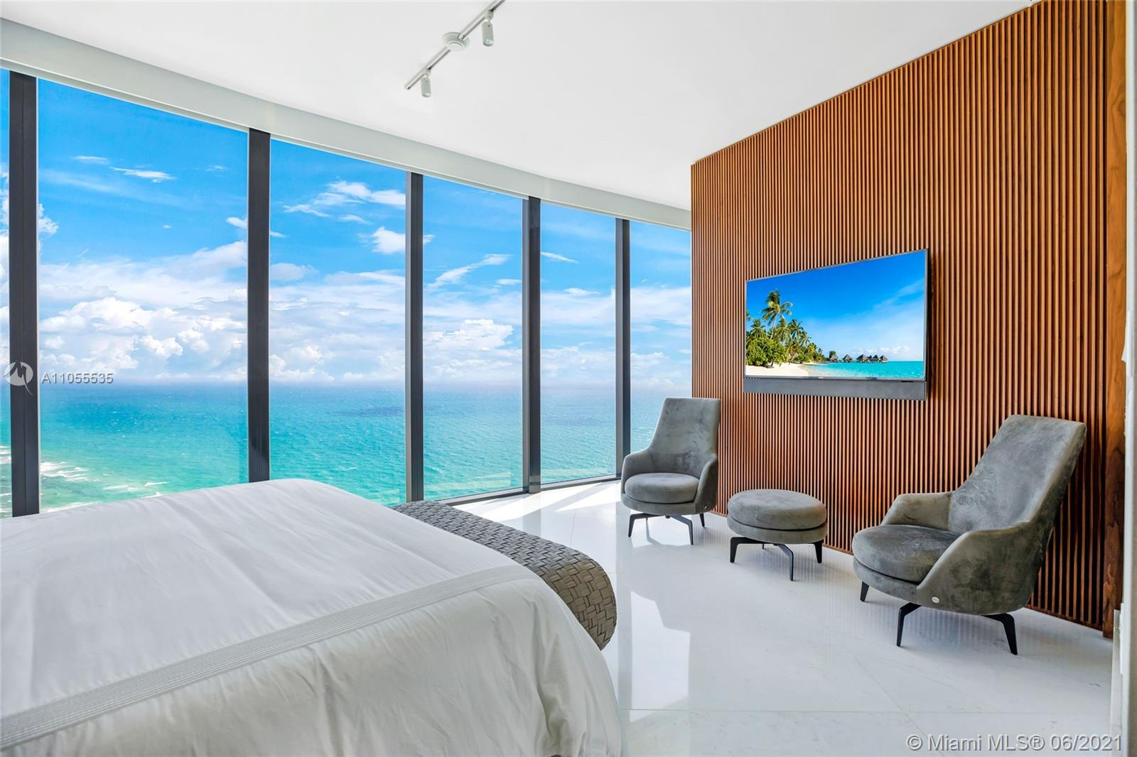 18555 Collins Ave, Unit #4305 Luxury Real Estate