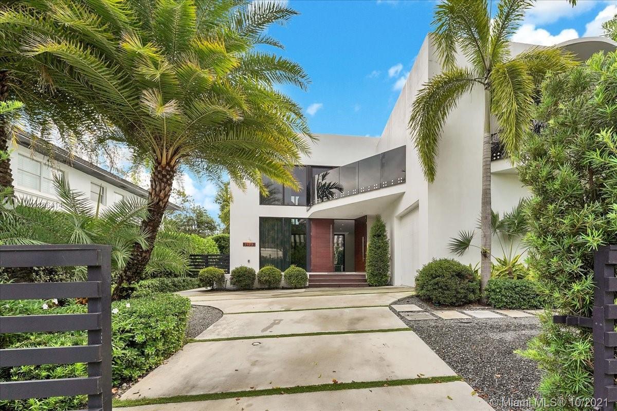 2125 N Bay Rd Luxury Real Estate