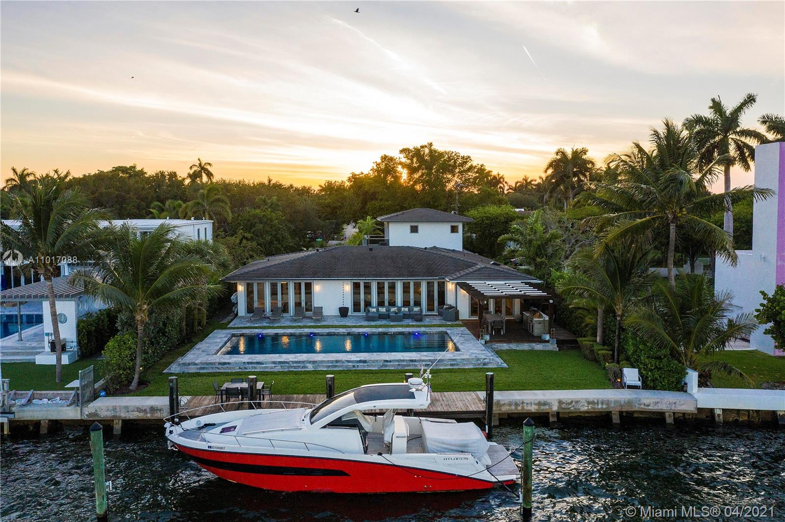 9301 N Bayshore Dr Luxury Real Estate