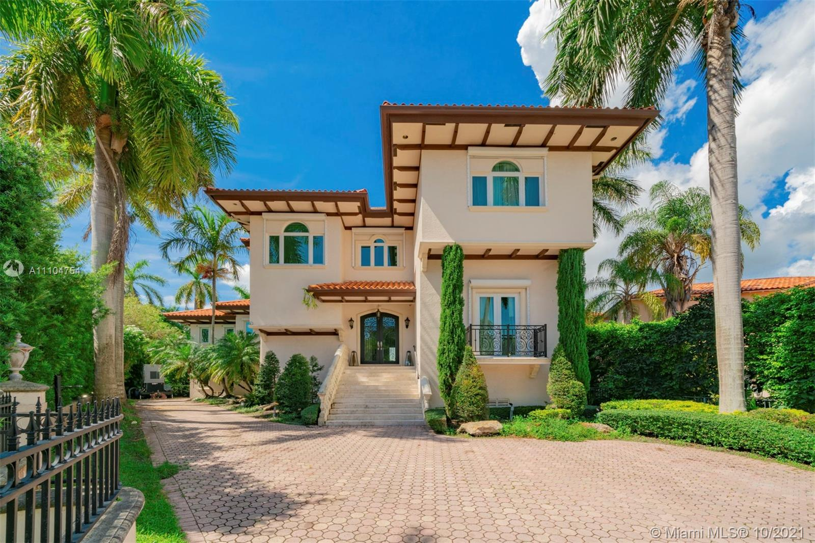 146 Rosales Ct Luxury Real Estate