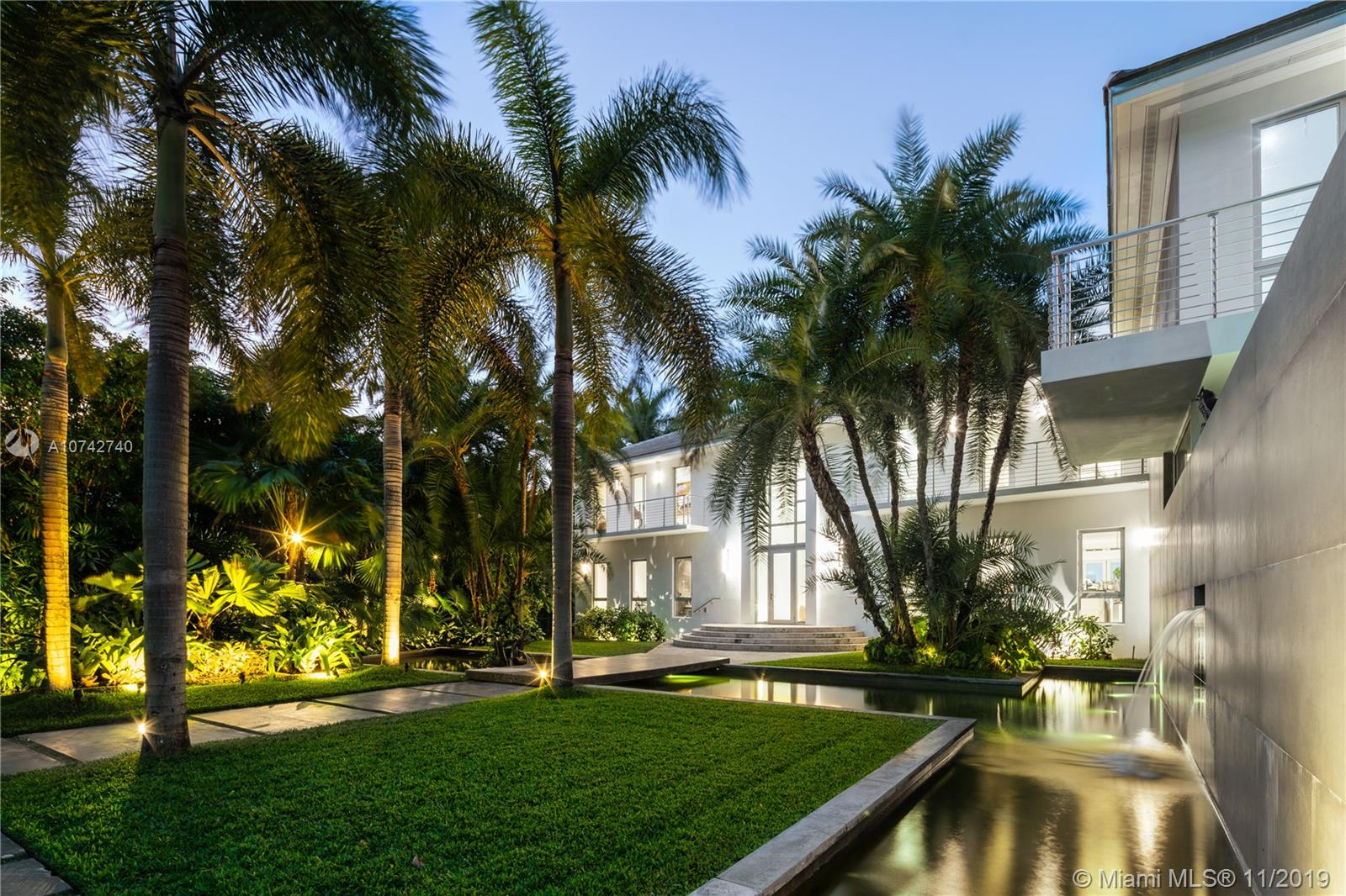 1835 W 27th St Luxury Real Estate