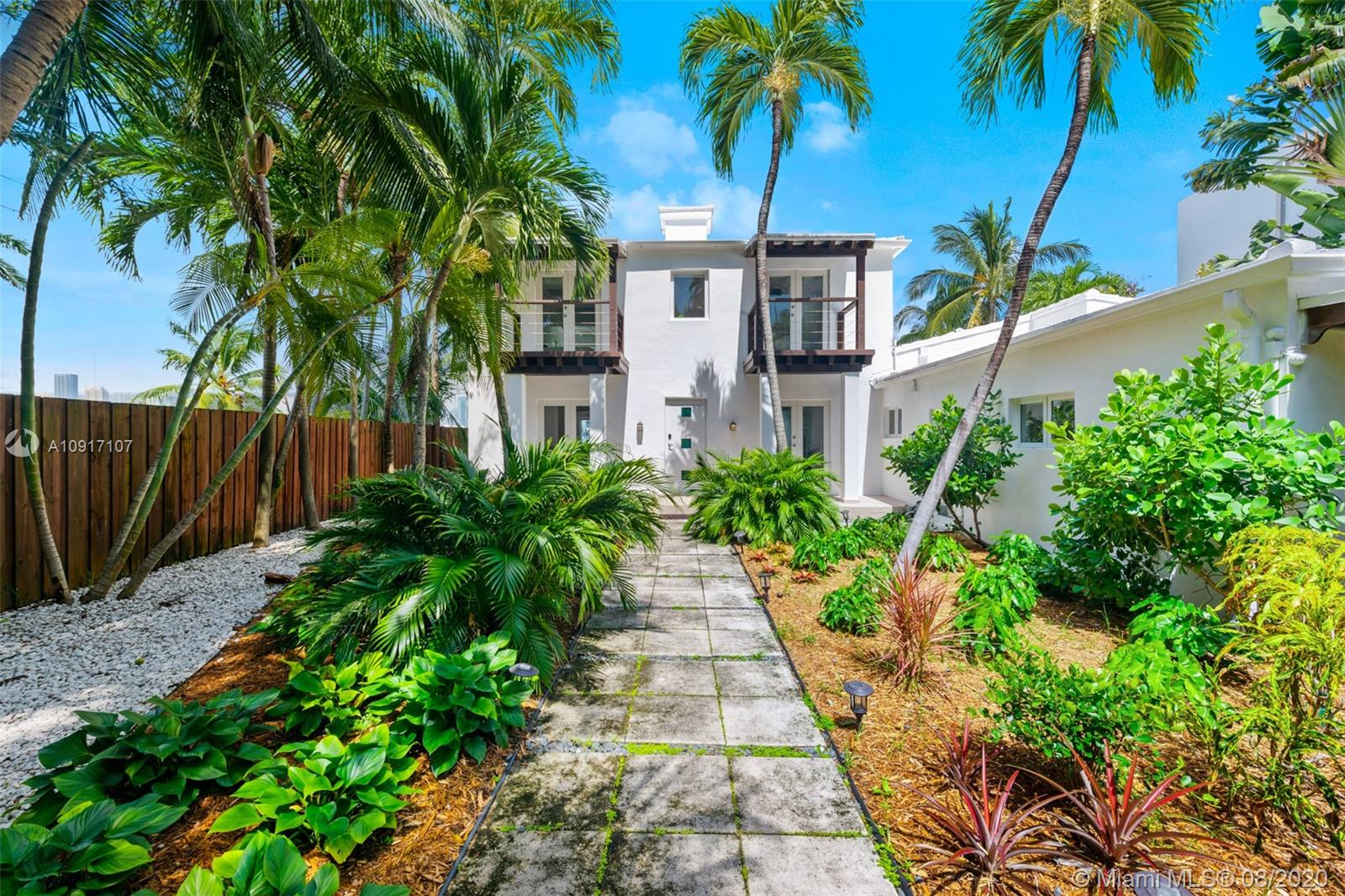 316 S Coconut Ln Luxury Real Estate