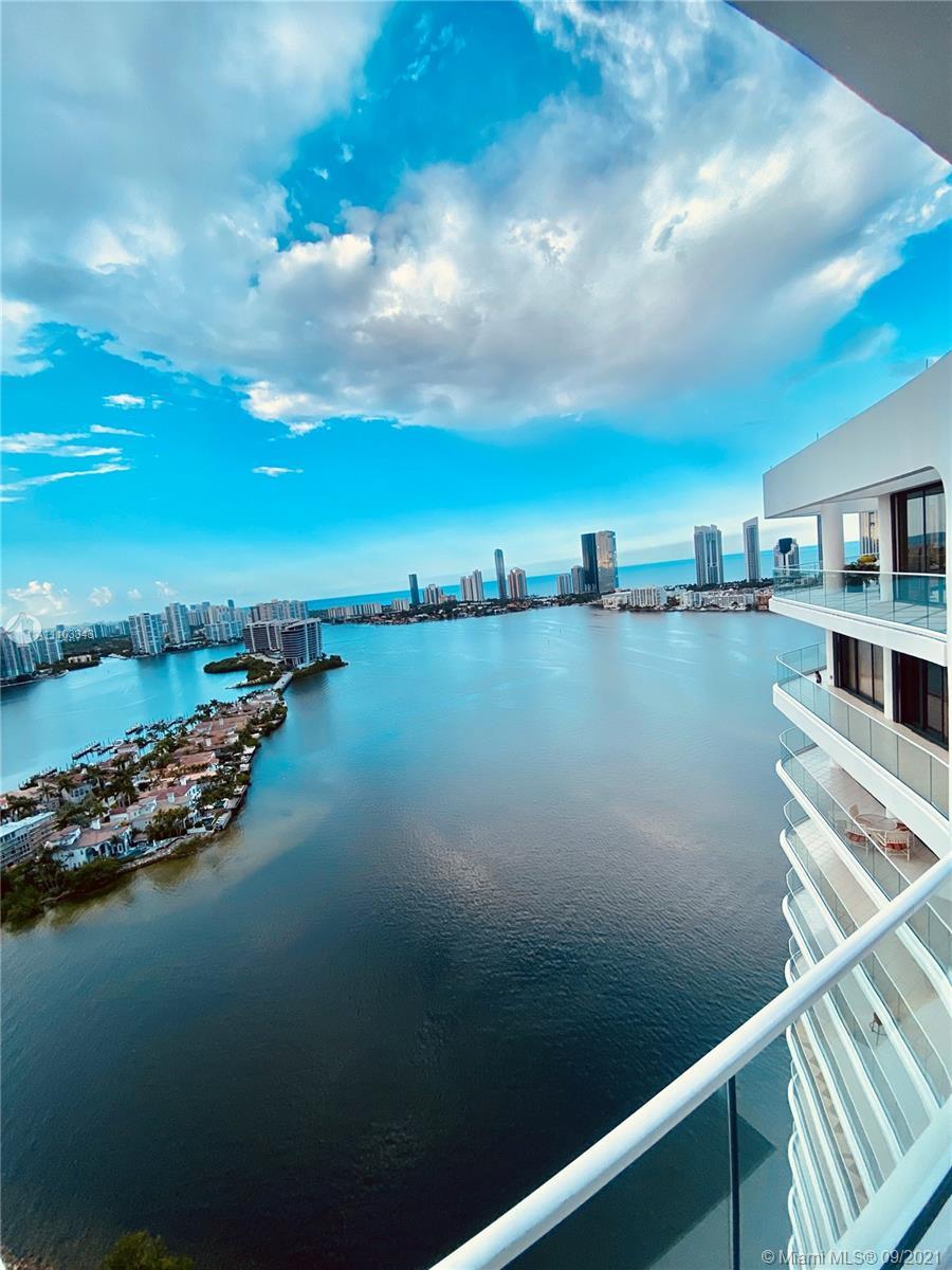 2800 Island Blvd, Unit #PH03 Luxury Real Estate
