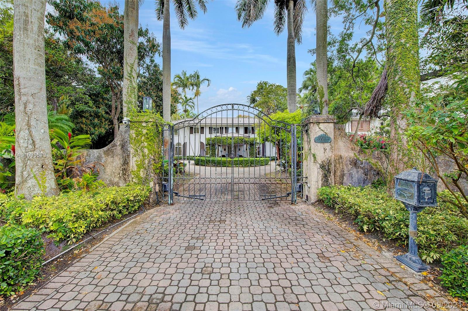 4835 SW 82nd St Luxury Real Estate