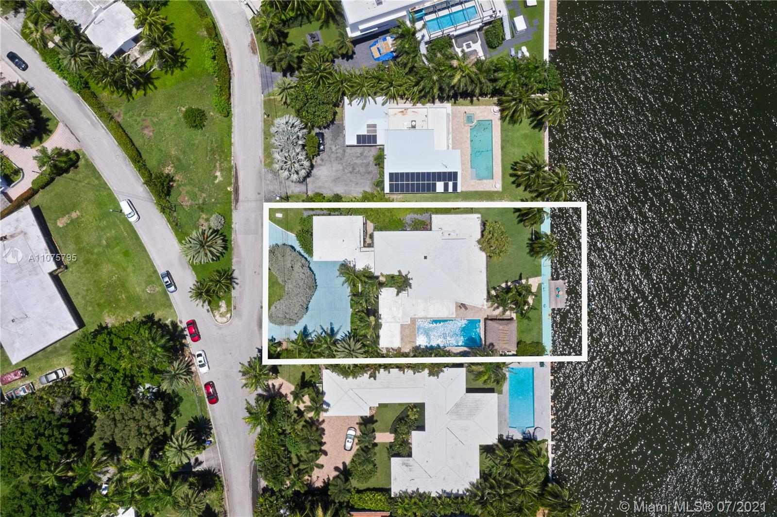7351 Belle Meade Island Dr Luxury Real Estate