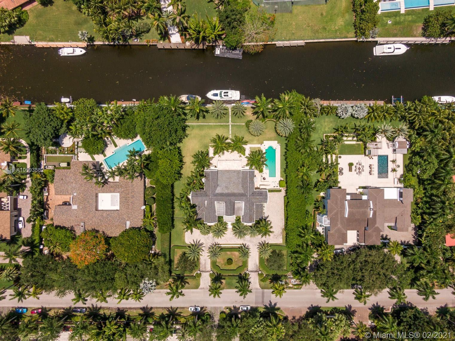 585 Arvida Pkwy Luxury Real Estate