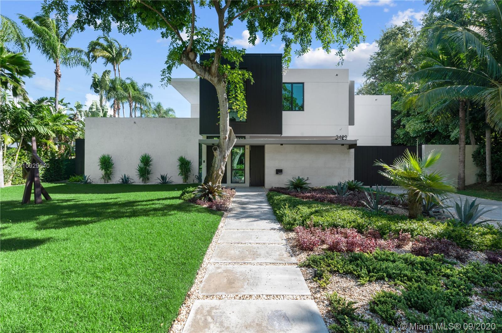 3429 N Moorings Way Luxury Real Estate