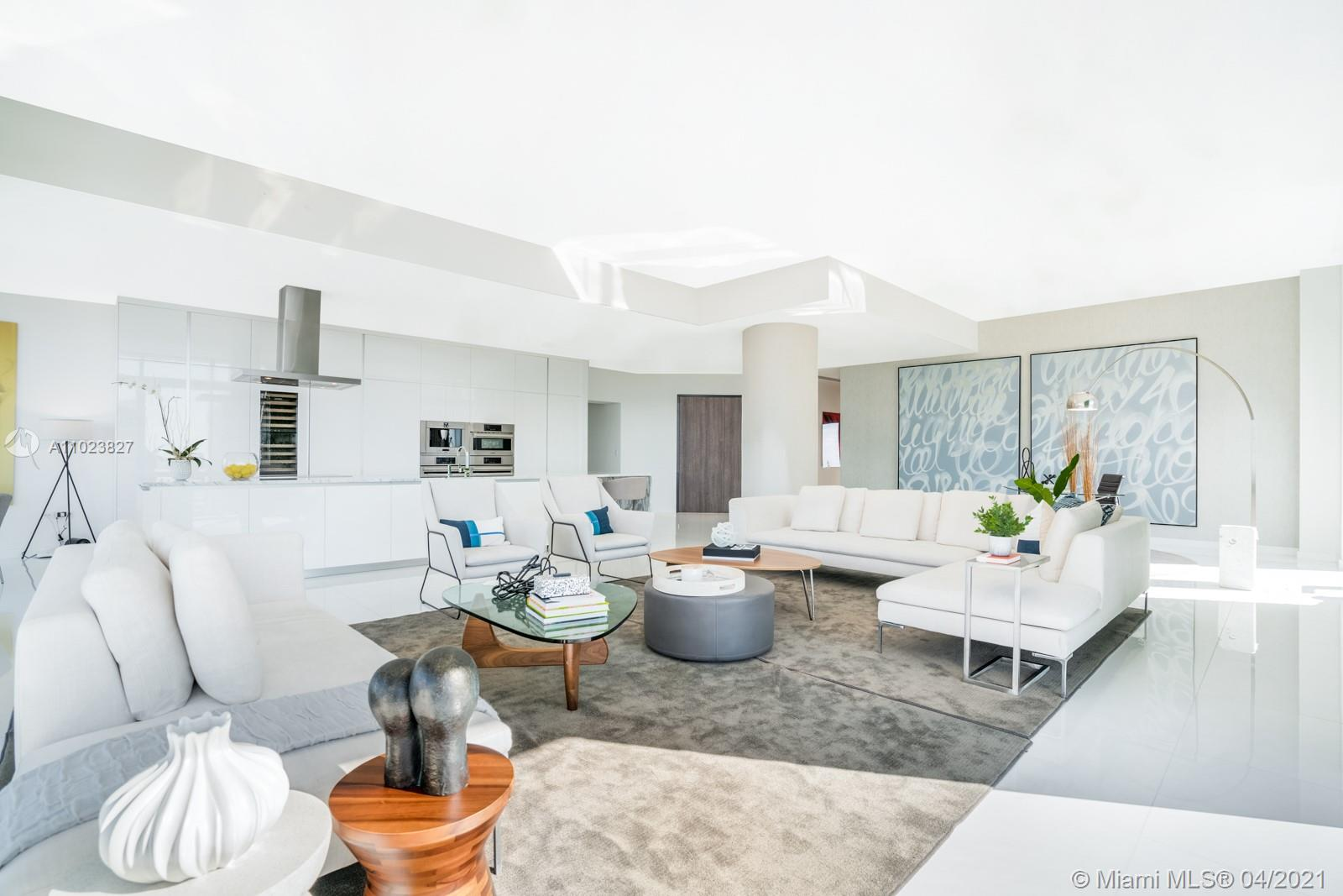 88 SW 7th St, Unit #PH4301 Luxury Real Estate